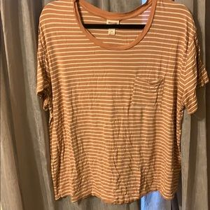 Striped t-shirt with a pocket